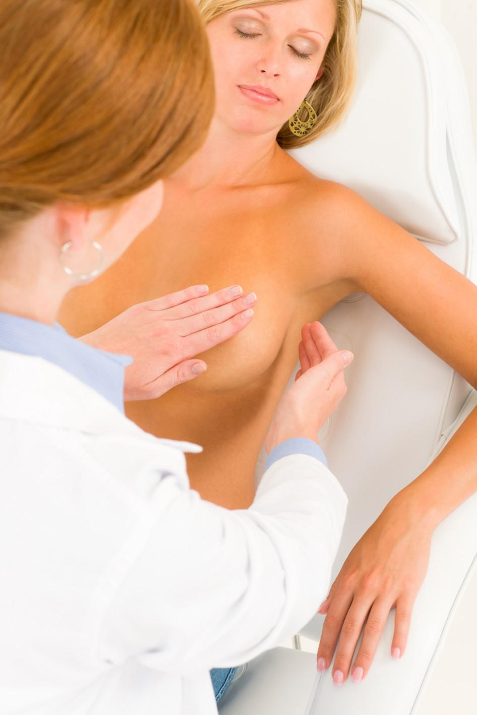 Почему женщины оголяют грудь 22 фотография