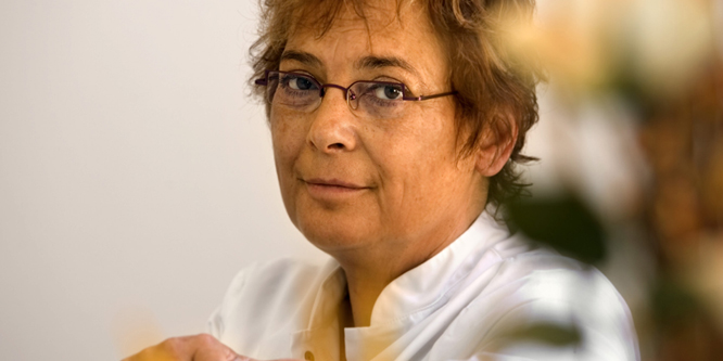 Vrouwelijke plastisch chirurg dr Linda Visser leidt de Arenborghoeve